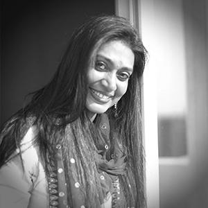 Ms. Insia Dariwala